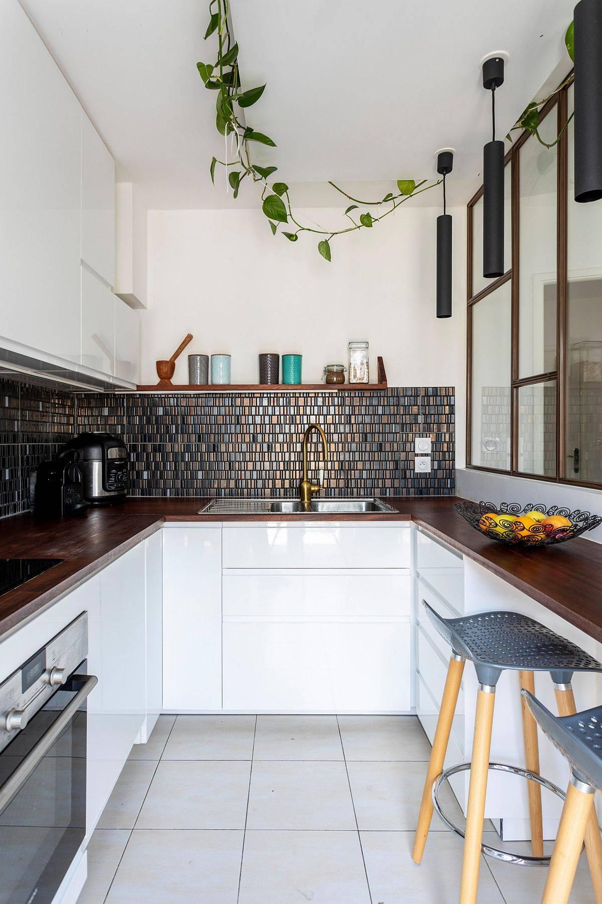 Custom-kitchen-with-three-cylincrical-pendant-lights-and-a-fabulous-mosaic-backsplash-64456