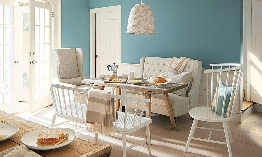 Fabulous-contemporary-dining-room-in-whie-and-Aegean-Teal-from-Benjamin-Moore-24606