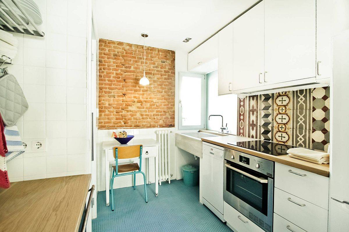 Finding-a-ablance-between-color-and-a-clutter-free-environment-inside-the-small-kitchen-58747
