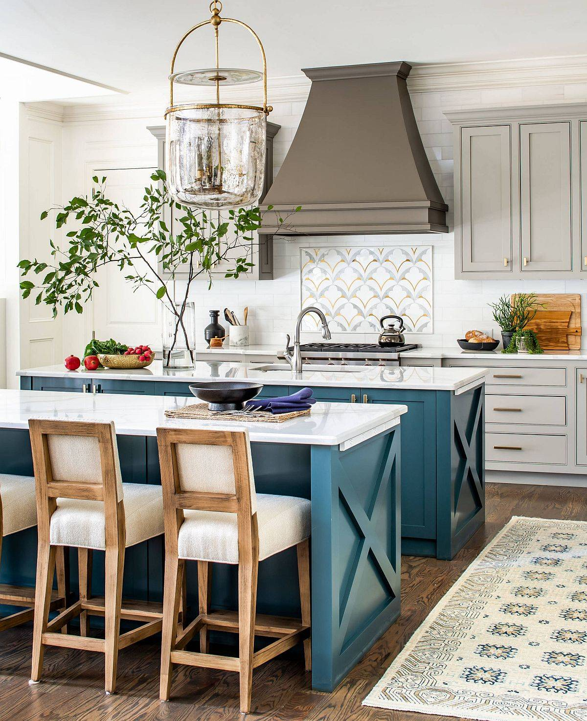 Gorgeous-teal-cabinets-steal-the-show-in-this-bright-modern-kitchen-with-summery-vibe-64359