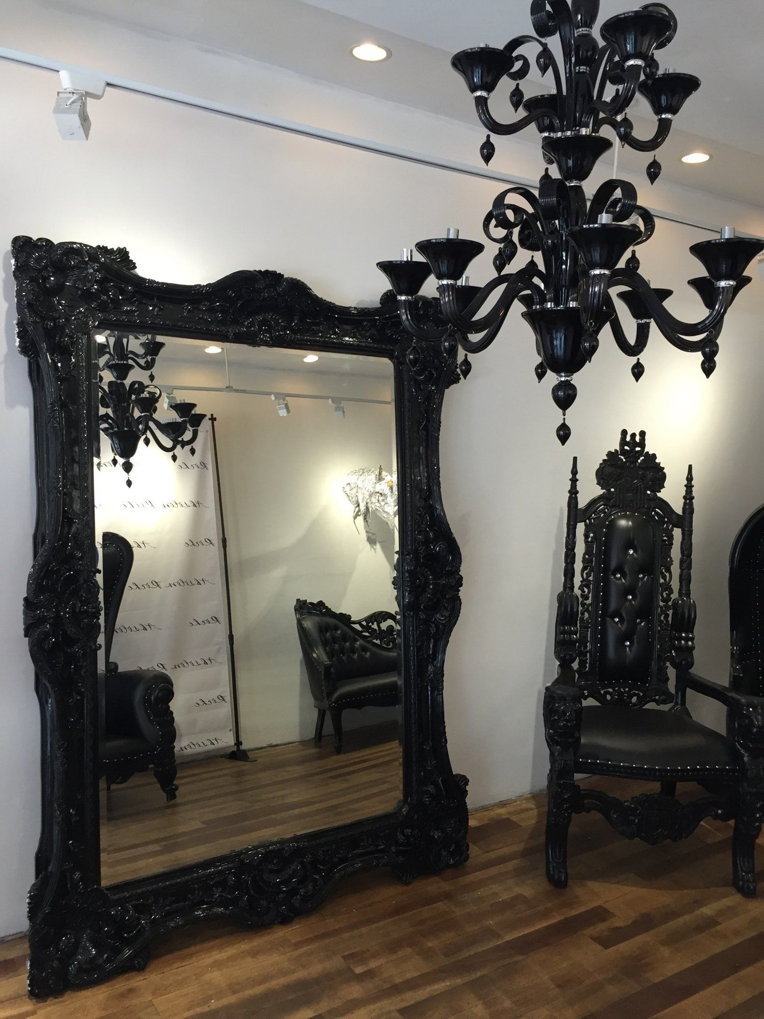 Gothic-themed Bedroom Accessories