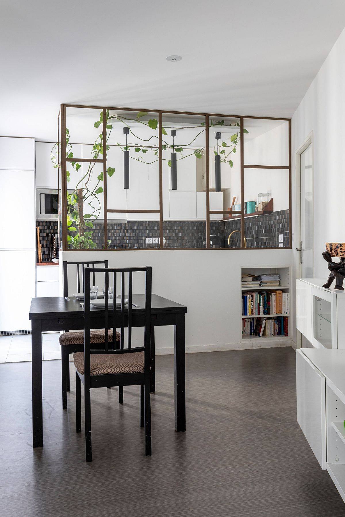 Greenery-added-to-the-fabulous-partition-makes-it-the-focal-point-of-the-new-interior-14070