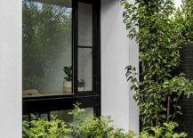 Greenery-outside-the-house-becomes-a-part-of-teh-work-area-thanks-to-large-glass-walls-93850-217x155