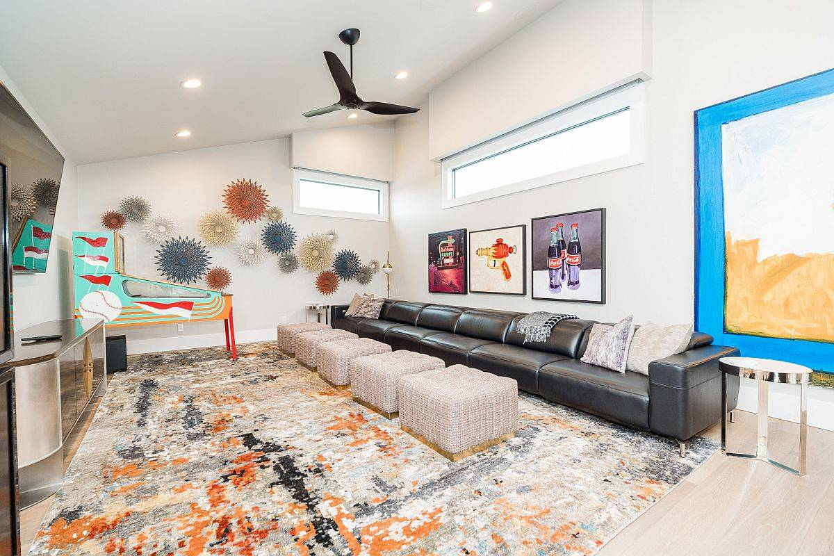 Innovative-modern-family-room-with-captivating-splashes-of-color-all-around-84233