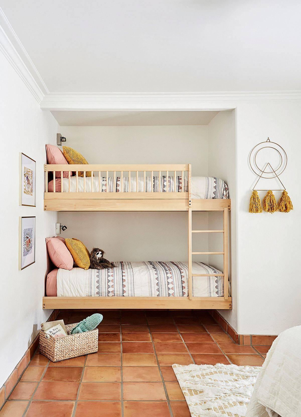 Lovely-kids-bedroom-with-bunk-beds-in-the-corner-and-terracotta-floor-tiles-20228