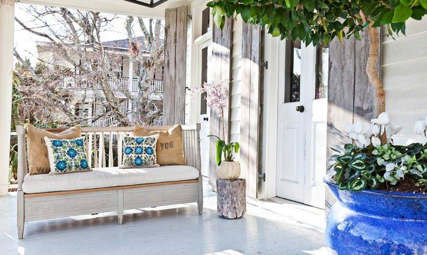 Rediscover Summer Bliss with these Fabulous Shabby-Chic Porch Ideas