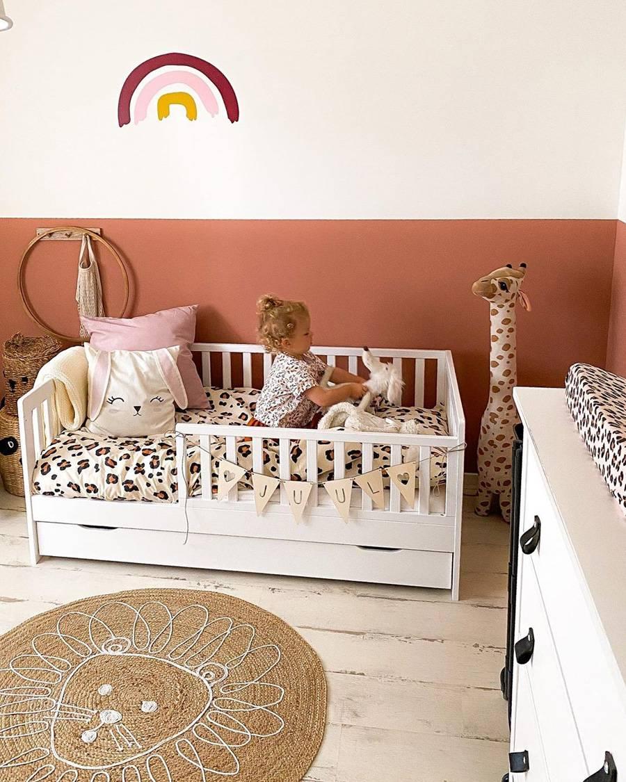Lovely-white-and-terracotta-nursery-design-idea-13224