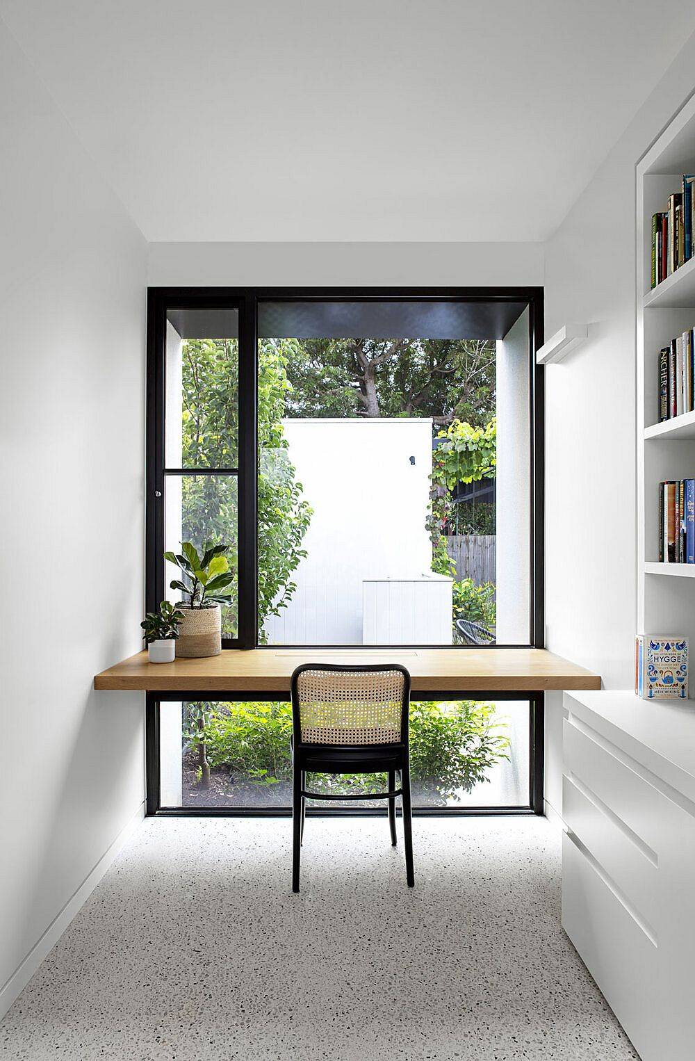 Modern-and-minimal-home-workstation-design-with-just-a-floating-wooden-plank-in-the-corner-17728