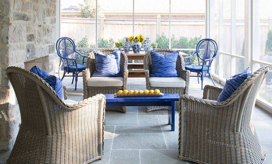 Modern-shabby-chic-porch-with-stone-and-glass-walls-decor-in-natural-materials-and-brilliant-splashes-of-blue-67128