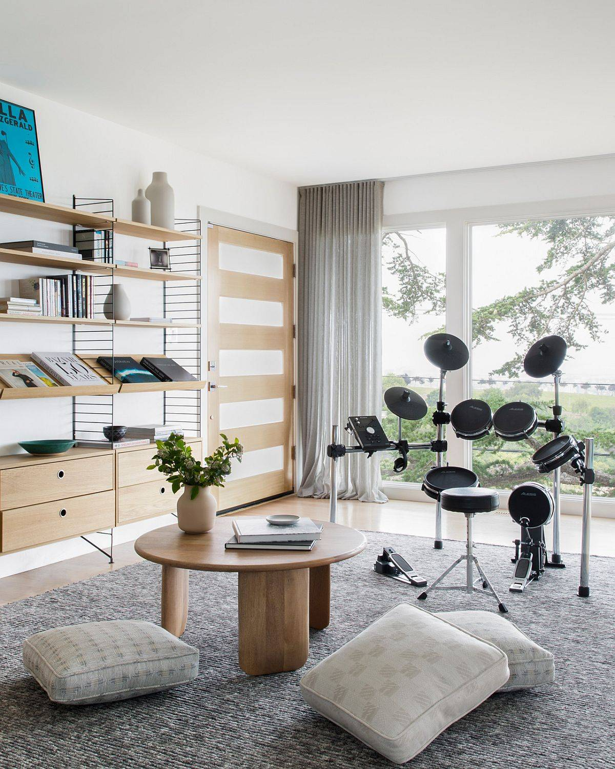 Polished-and-stylish-family-room-for-the-musically-inclined-with-floor-cushions-91021