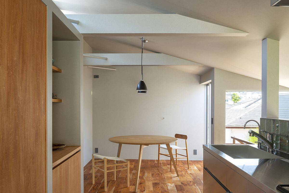 Second-floor-dining-area-and-kitchen-of-the-small-Japanese-home-82405