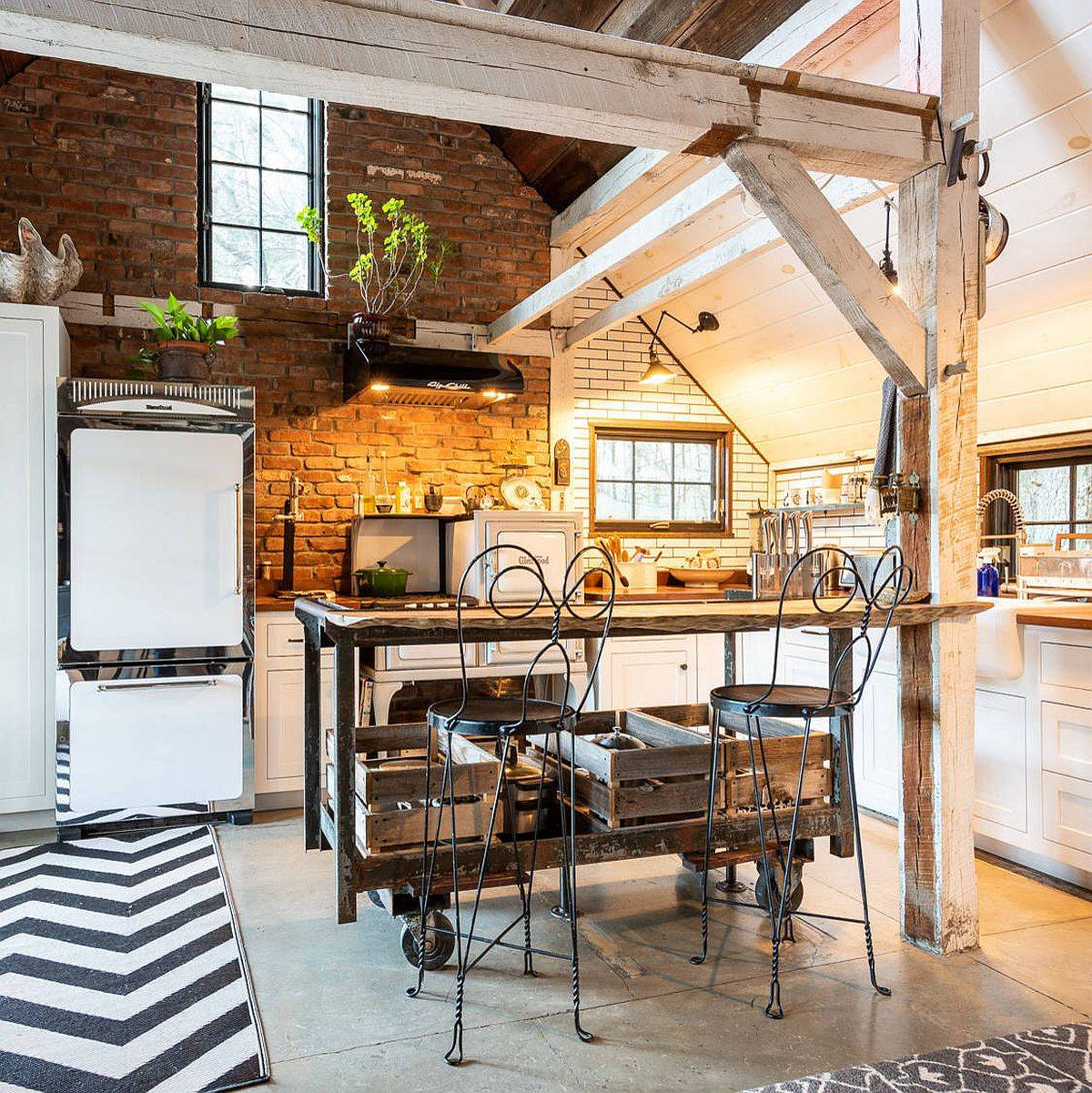 Shabby-chic-style-in-the-kitchen-is-no-all-about-feminine-overtones-as-seen-in-here-92519