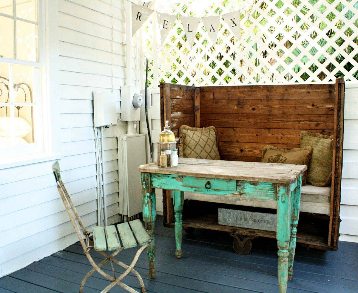 Simple-and-elegant-shabby-chic-style-porch-with-reclaimed-decor-that-gives-it-a-sense-of-uniqueness-48209