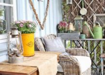 Small-and-modern-shabby-chic-style-porch-decorating-ideas-with-naural-goodness-90786-217x155