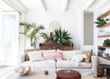 Small-and-stylish-beach-style-decorating-idea-in-white-with-natural-finishes-and-textures-89218-217x155