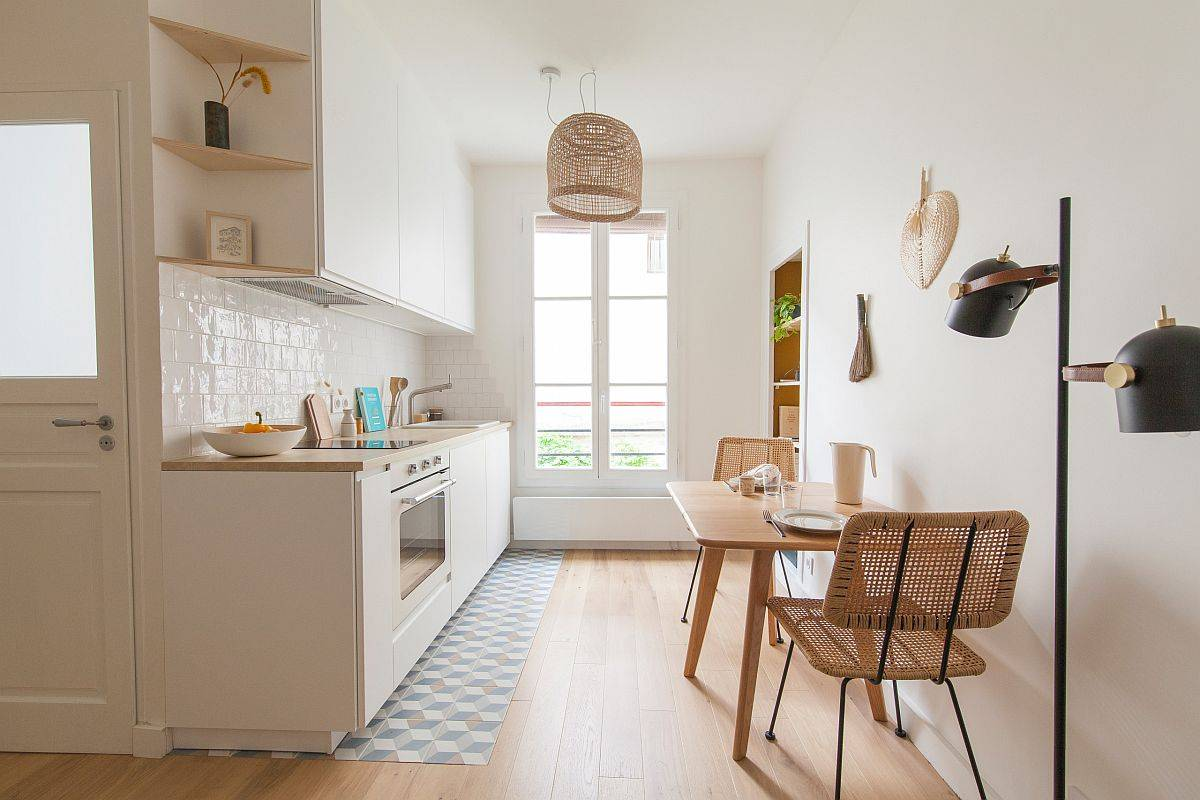 Tiny-Scandinavian-kichen-in-wood-and-white-also-finds-space-for-a-small-breakfast-zone-83117