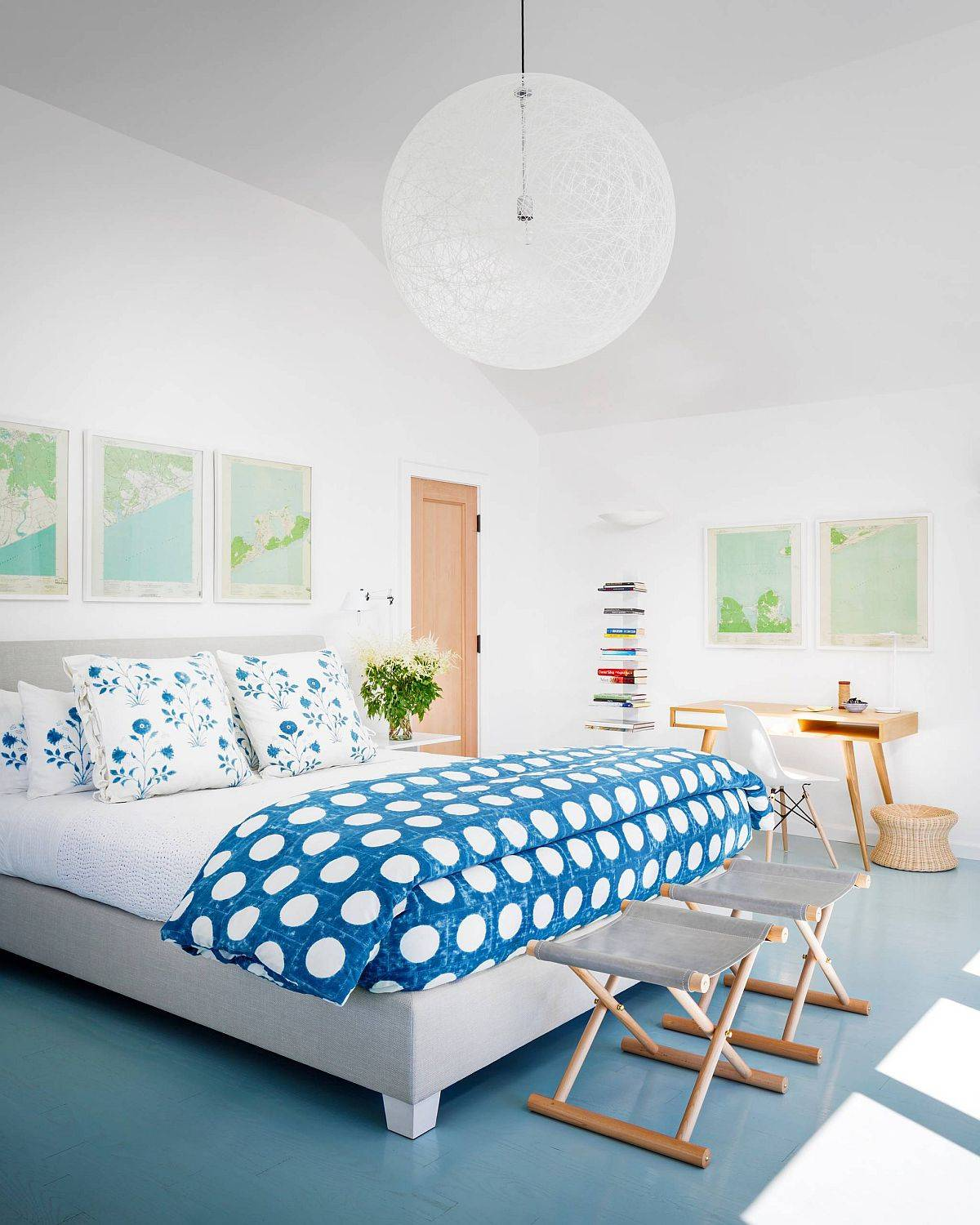 Use-bedding-and-pillow-covers-to-bring-florals-to-the-bedroom-in-an-understated-manner-64634