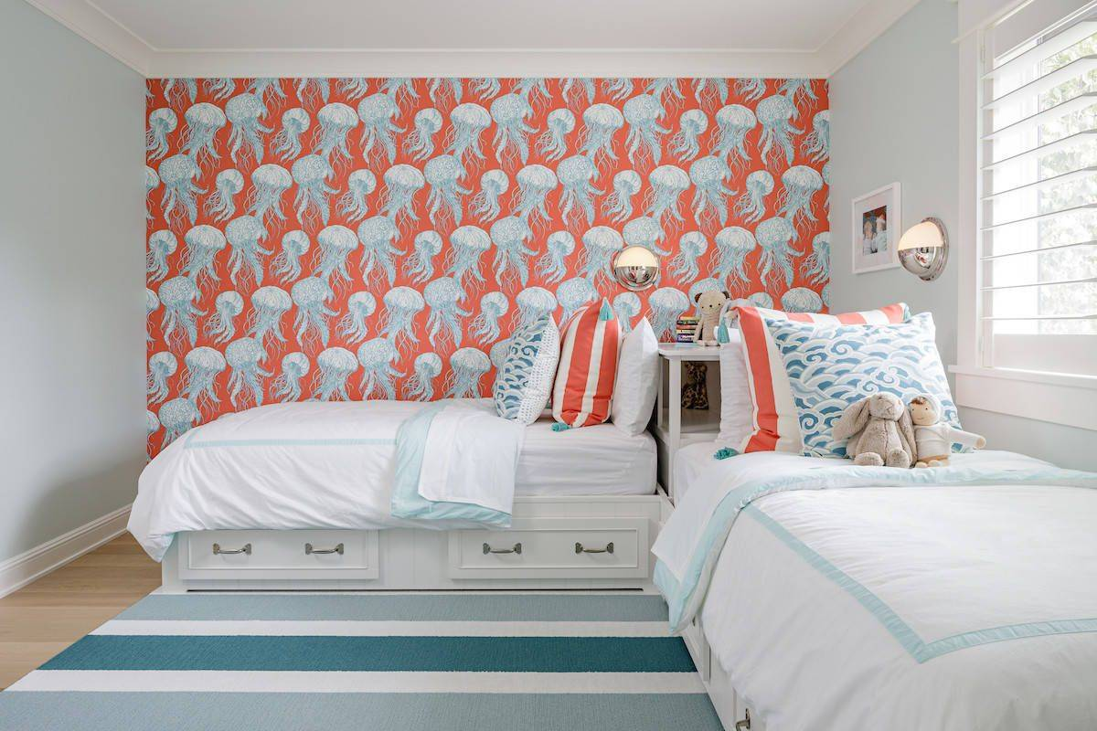 Wallpaper-and-accent-pillows-bring-color-into-this-kids-room-38267