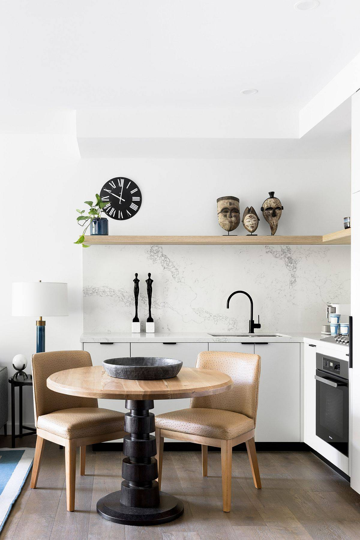 White-contemporary-kitchen-with-marble-backsplash-and-a-floaing-wooden-shelf-89893