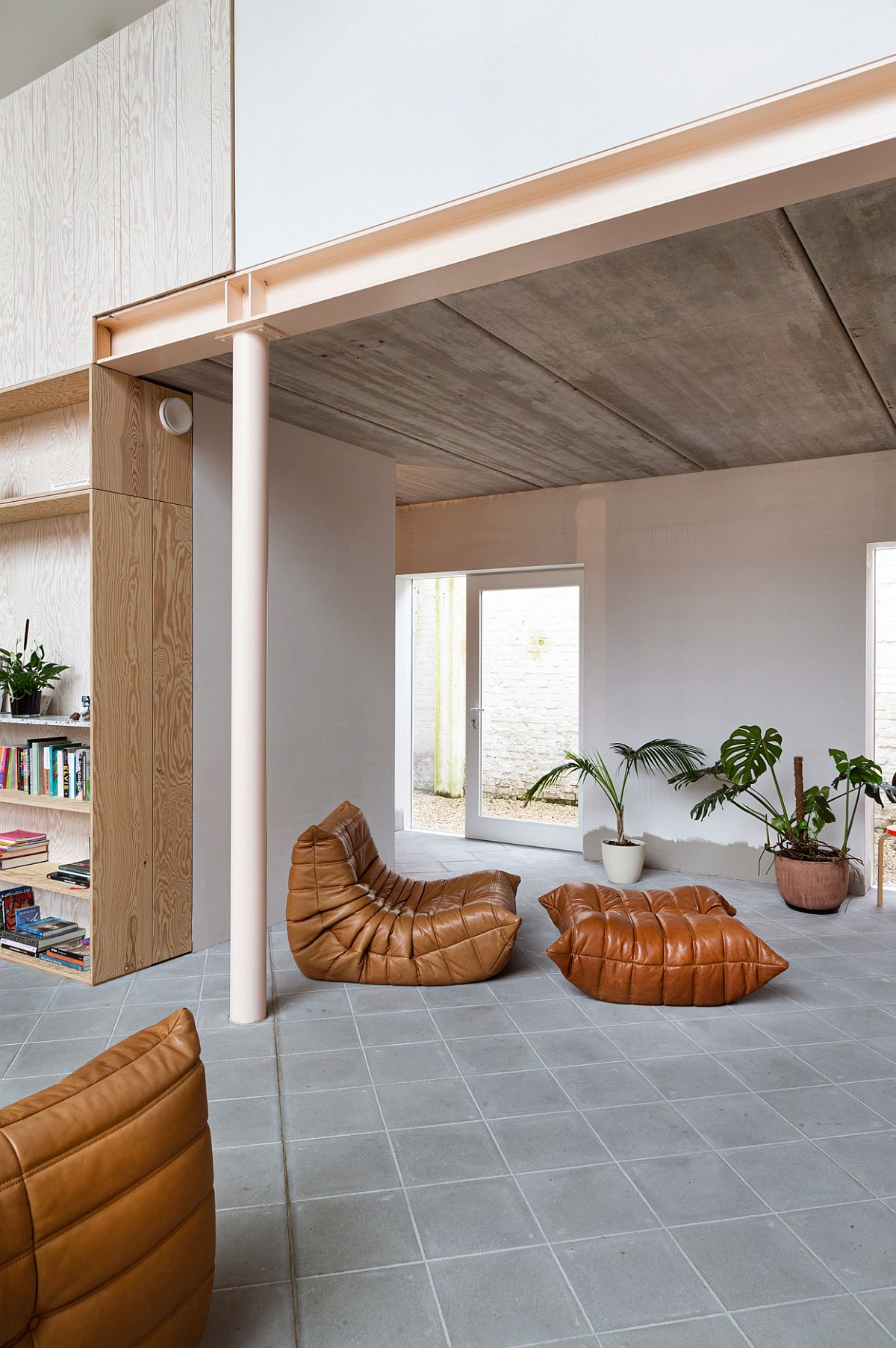 Beautiful-Togo-sofas-in-brown-become-a-part-of-the-new-hom-interior-28754