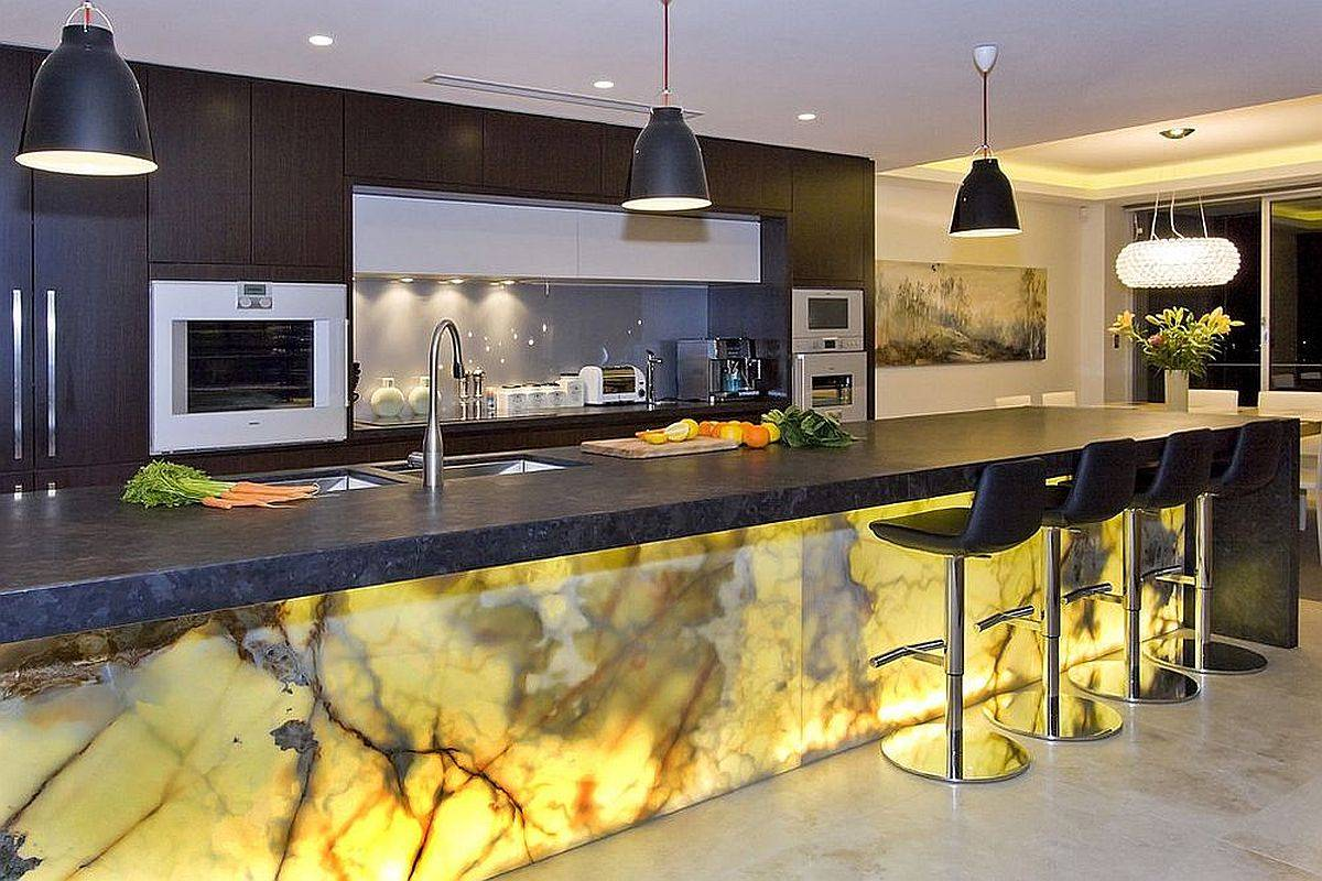 Brilliantly-illuminated-Onyx-kitchen-island-is-a-showstopper-almost-every-single-time-69225