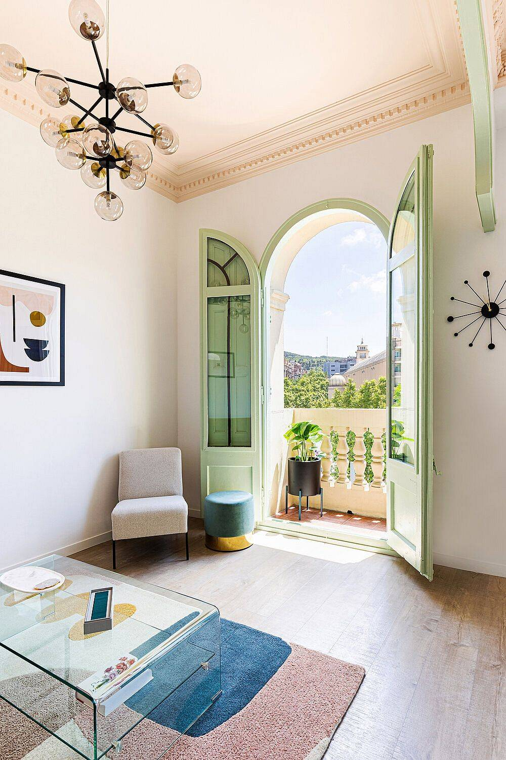 Ceiling-in-pastel-pink-along-with-classic-French-doors-in-pastel-green-give-the-room-a-fabulous-visual-appeal-14025