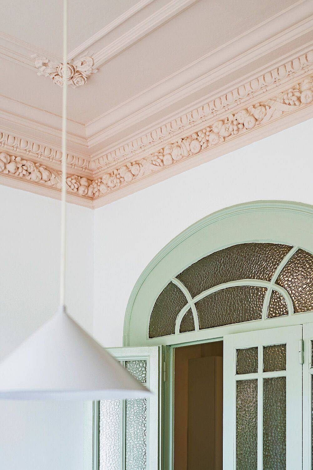 Closer-look-at-the-more-classic-details-of-the-revamped-apartment-66747