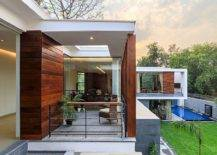 Home-with-moving-wooden-slats-can-adapt-to-changing-weather-with-ease-26438-217x155