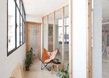 Ingenious-wooden-partitions-alter-th-appeal-of-this-light-filled-Barcelona-office-79389-217x155