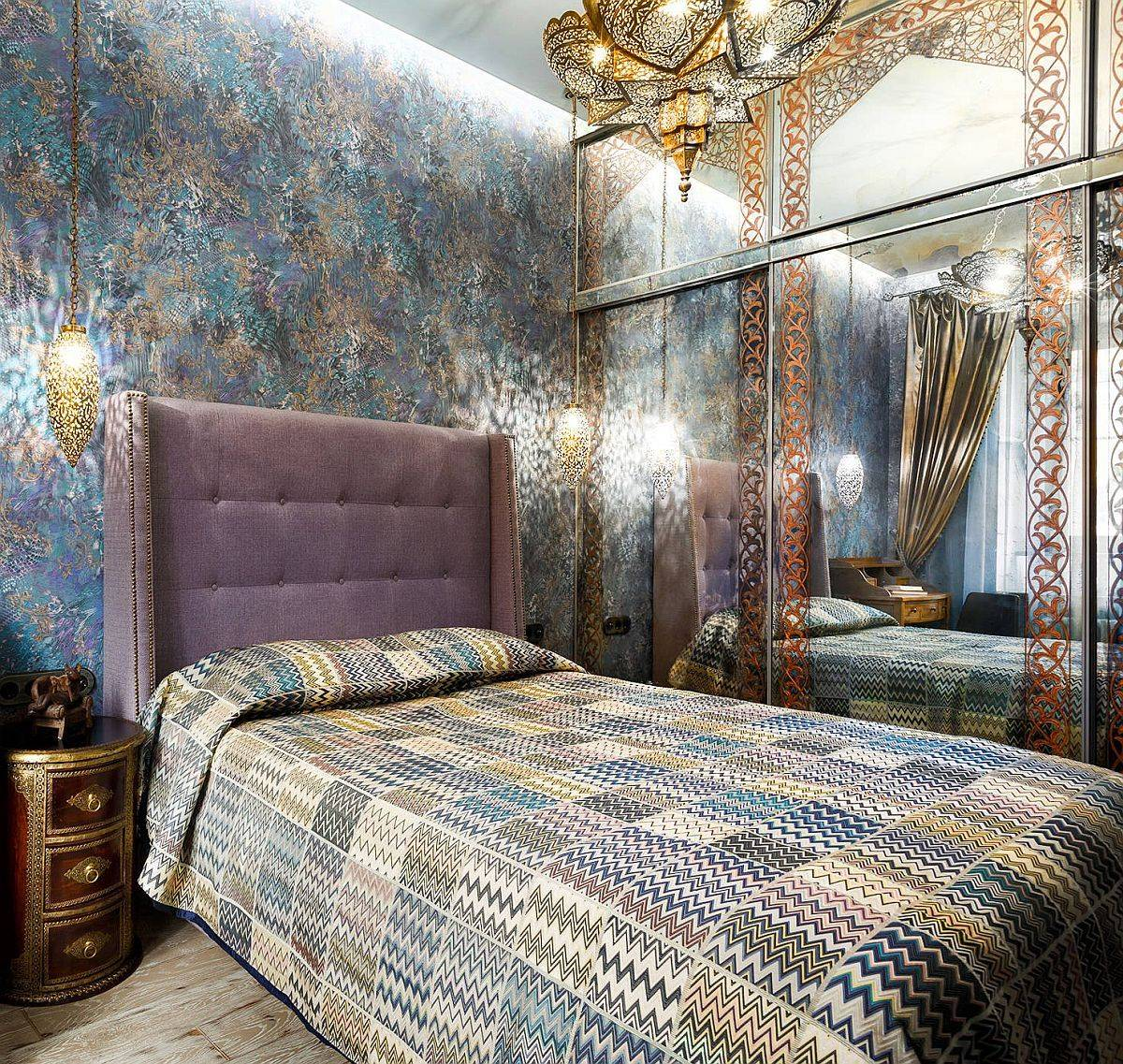 Mirrored-wardrobe-and-dazzling-wallpaper-along-with-lighting-create-a-magical-small-Mediterranean-bedroom-48681