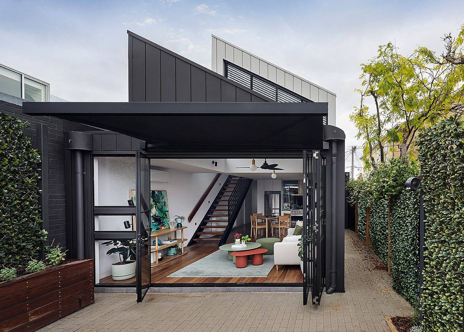 Rear-extension-of-heritage-home-in-Fitzroy-North-that-is-hidden-from-street-view-42555