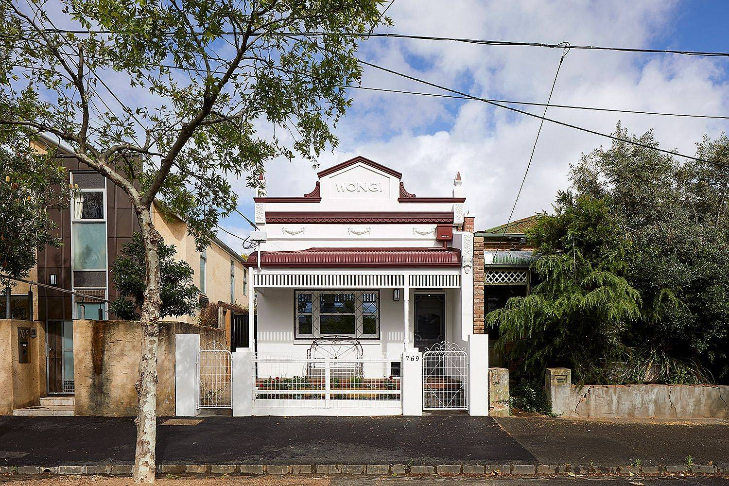 Reconstructed-heritage-street-facade-of-the-Wongi-House-in-Fitzroy-North-65747