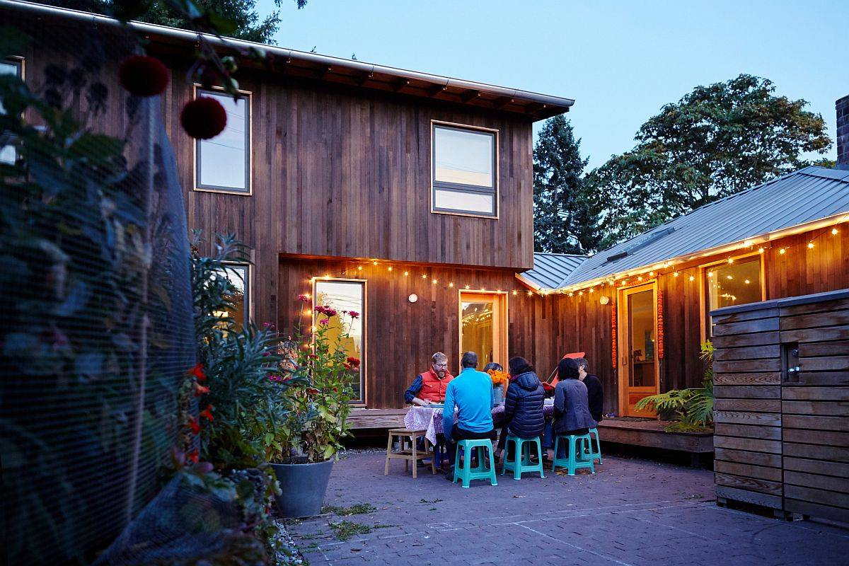 Renovation-of-1950s-Seattle-home-with-a-new-courtyard-that-is-the-heart-of-the-outdor-social-area-13211