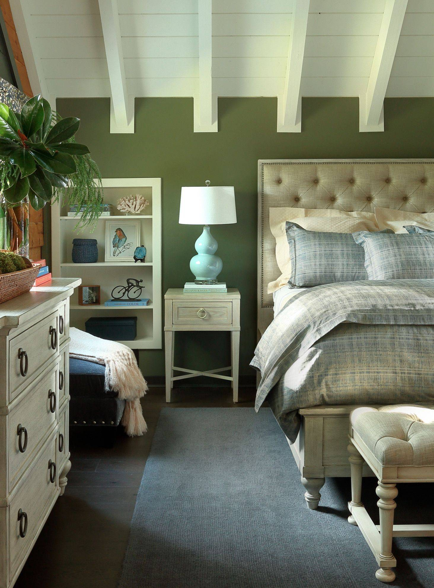 Rustic-bedroom-with-shiplap-vaulted-ceiling-and-fabulous-dark-green-walls-46122