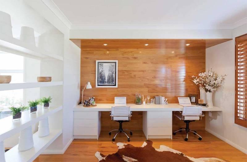 Kantor bergaya dengan dinding kayu