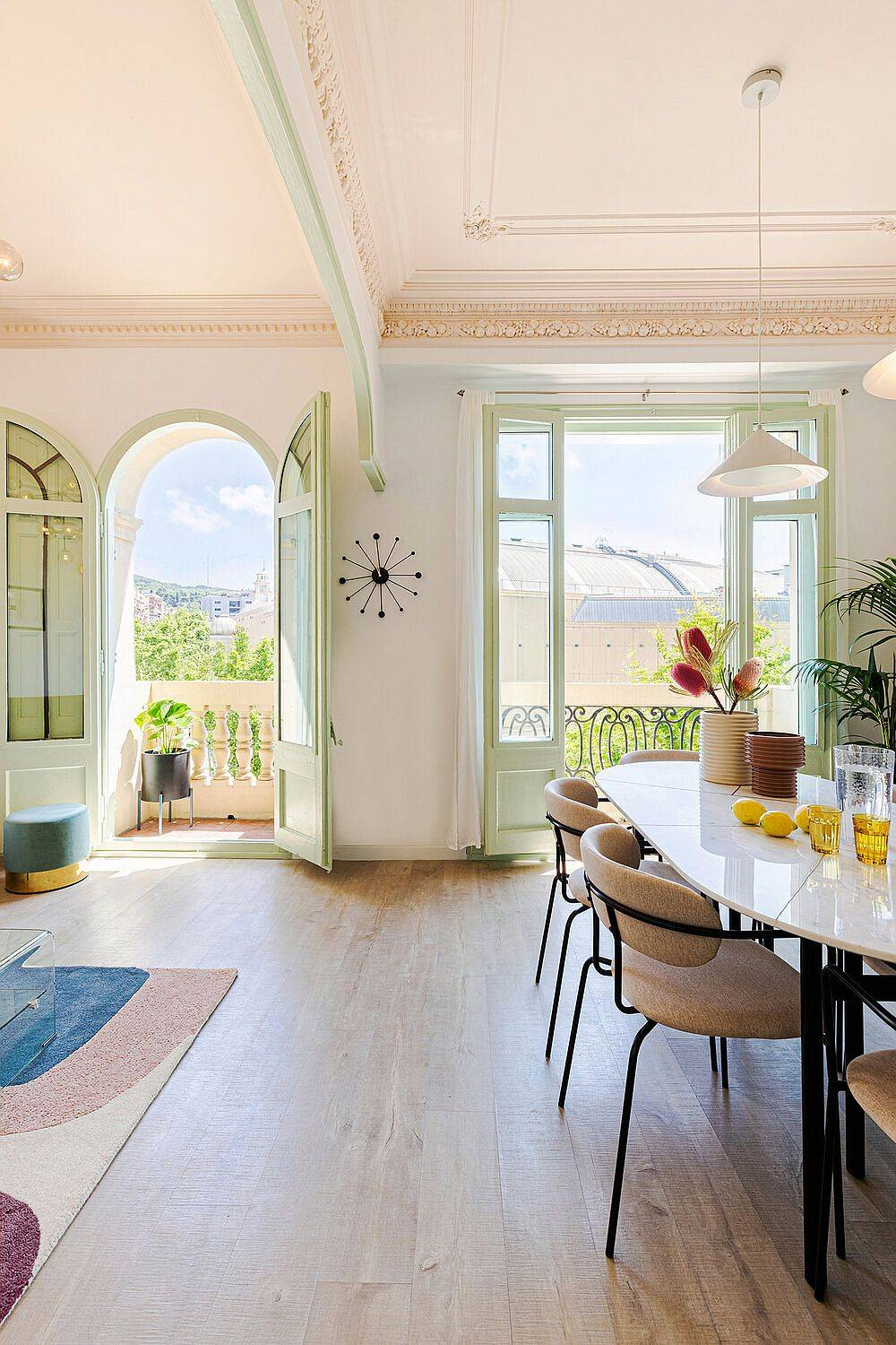 View-of-the-neighborhood-comes-indoors-thanks-to-the-two-doors-leading-to-the-balcony-44331