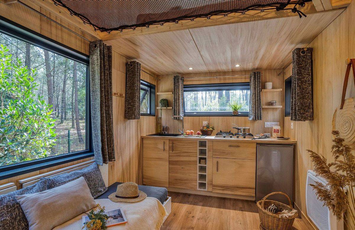 iny-kitchen-of-the-fabulou-holiday-home-in-France-that-is-just-30-square-meters-in-size-29547