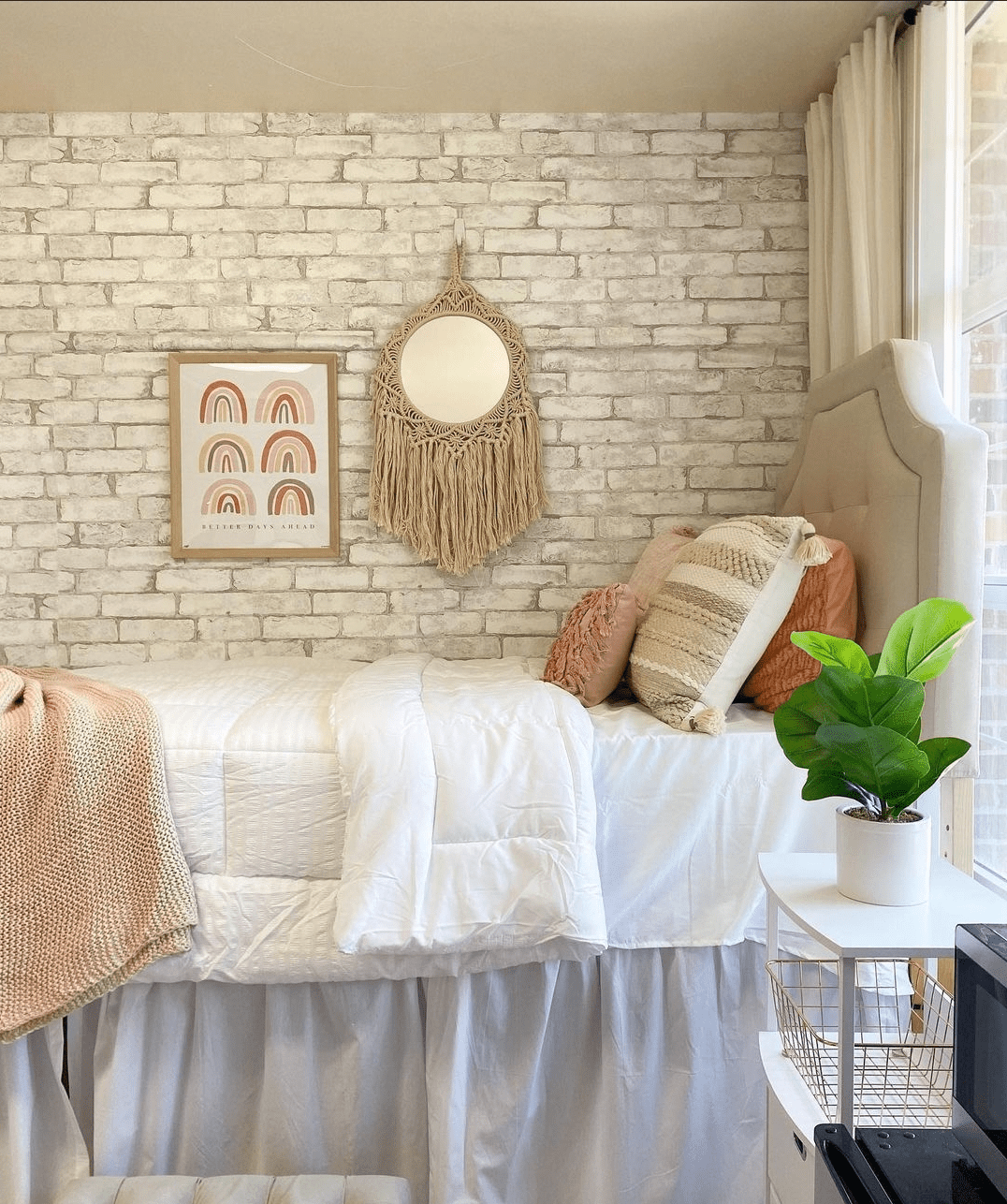 5 Innovative Ways To Decorate Your Dorm Room