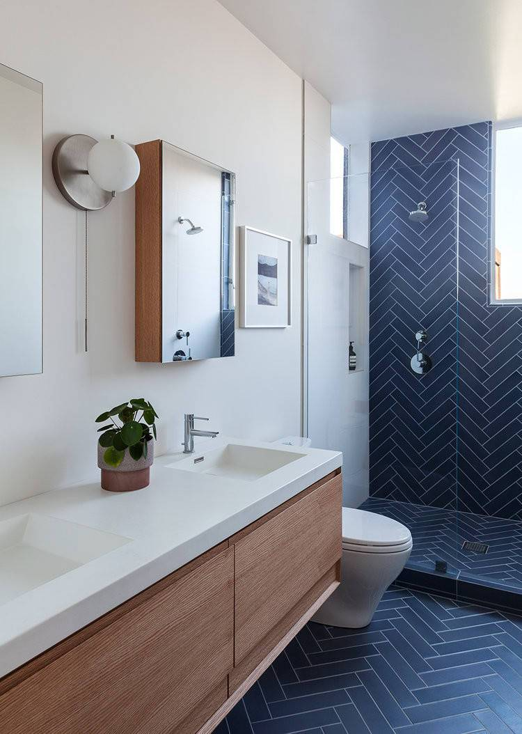Blue-tile-in-herringbone-layout-makes-the-biggest-impression-in-this-contemporary-bathroom-25689
