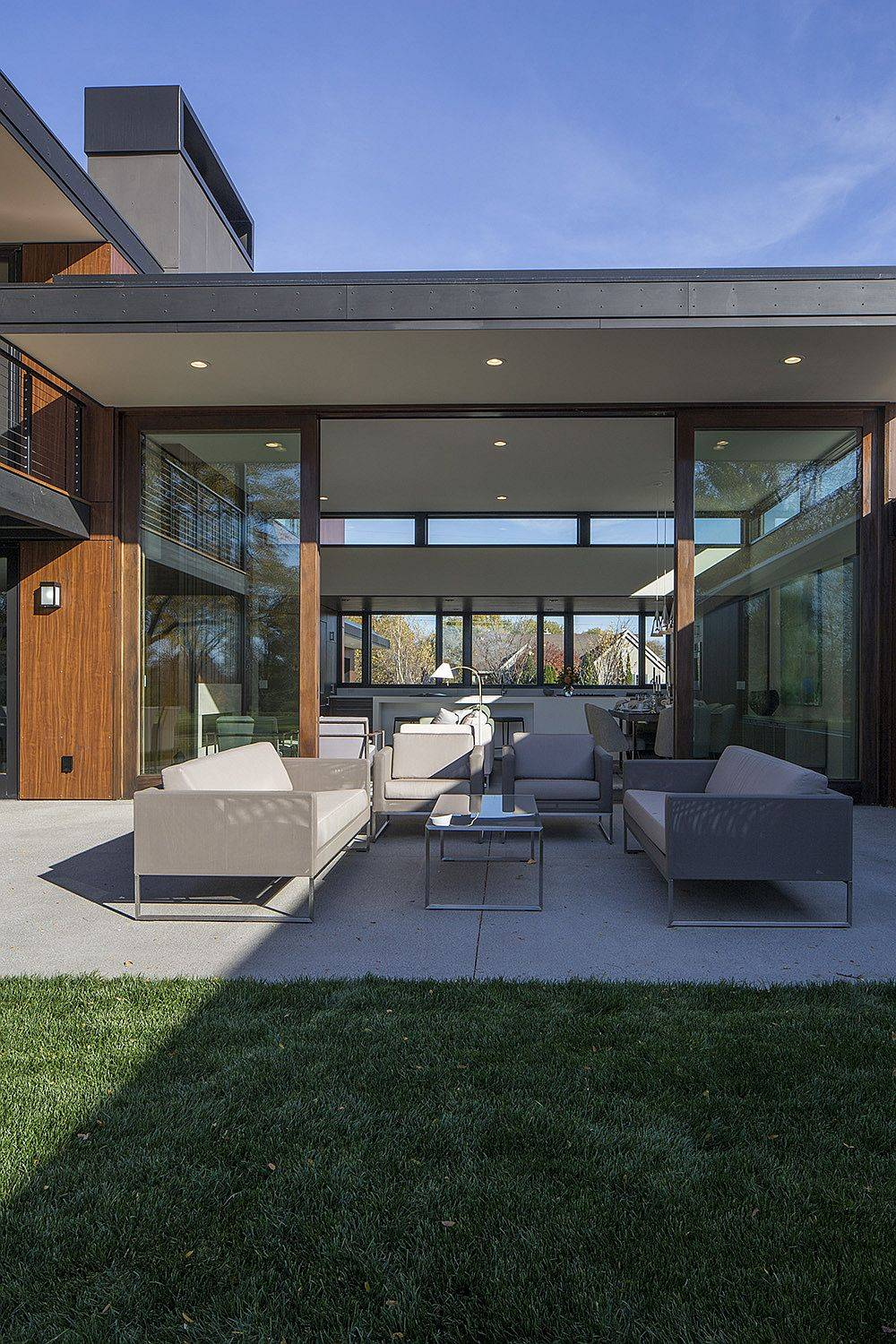 Central-sitting-area-and-outdoor-deck-of-the-home-feel-like-an-extension-of-the-interior-59717