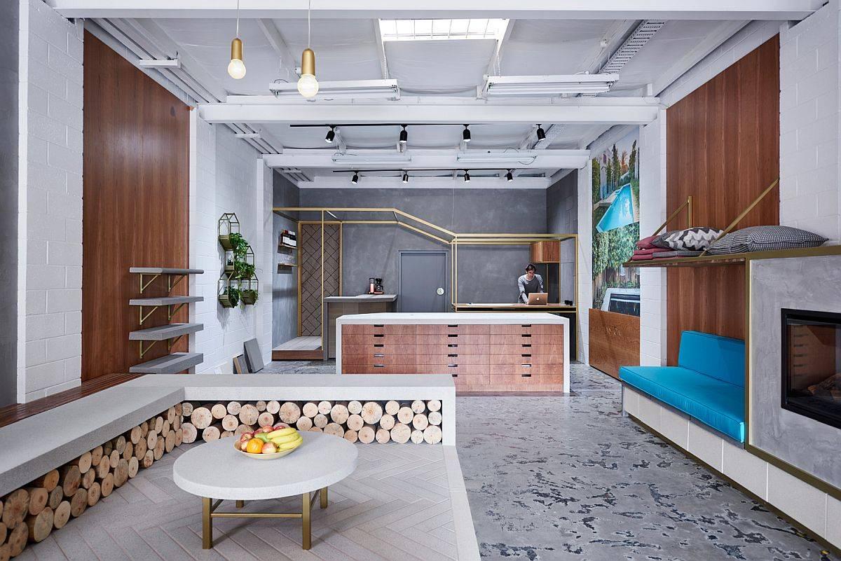 Interior dipesan lebih dahulu oleh Anston Architecture untuk memamerkan produk unik dan terbaru mereka