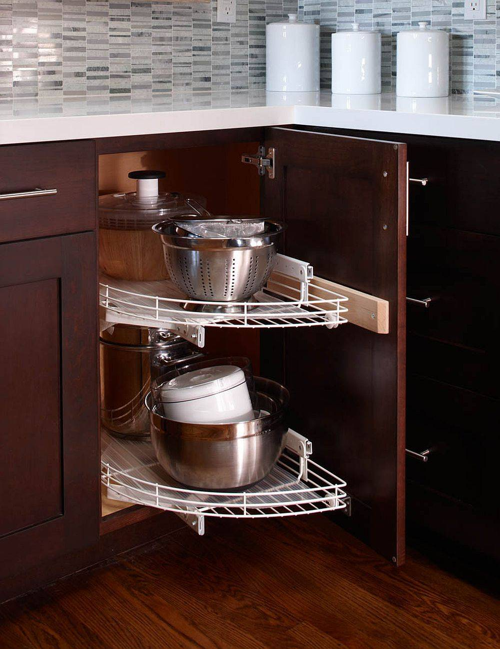 Explore-the-many-different-typs-of-Lazy-Susan-cabinets-before-you-settle-on-one-28013