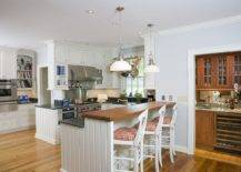 Find-the-right-height-for-the-stylish-wooden-breakfast-bar-in-your-modern-kitchen-91557-217x155