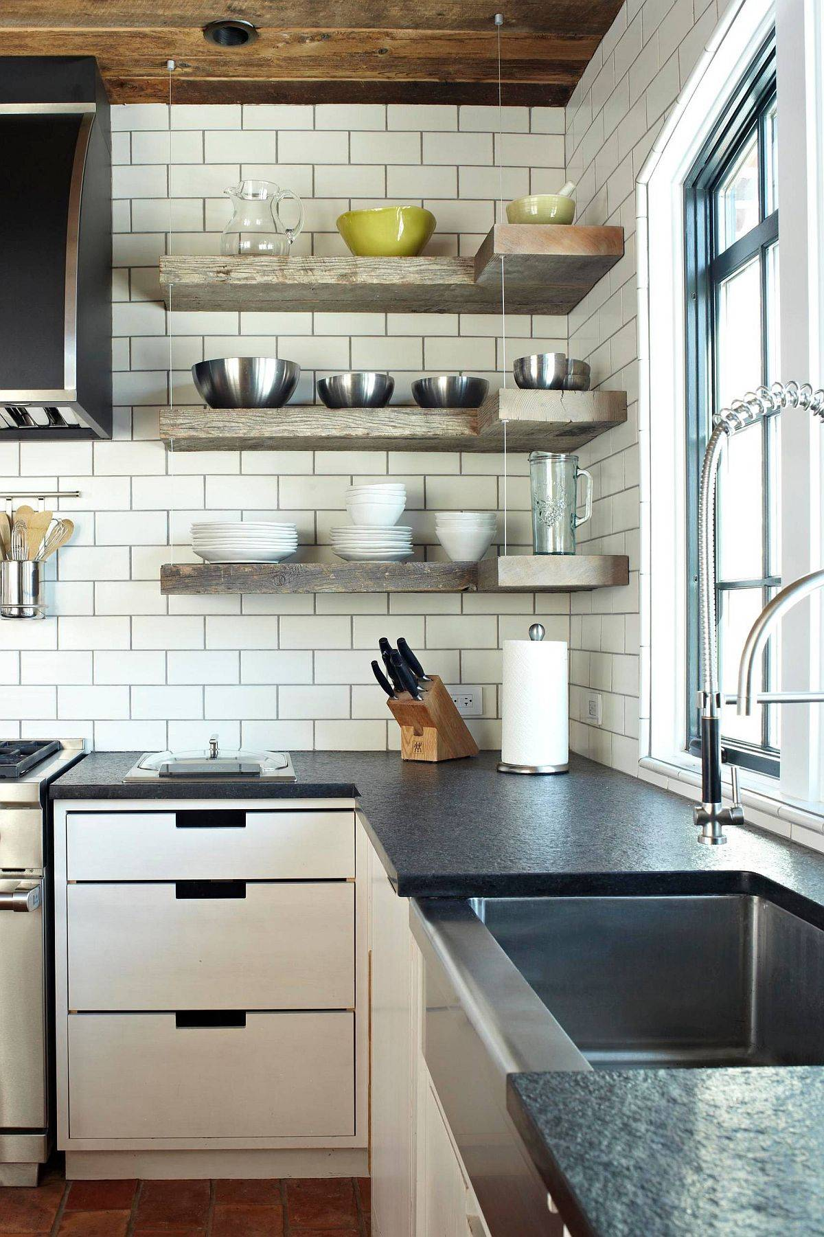 Floating-shelves-in-wood-along-with-cabinets-below-maximize-the-corner-in-this-kitchen-94596