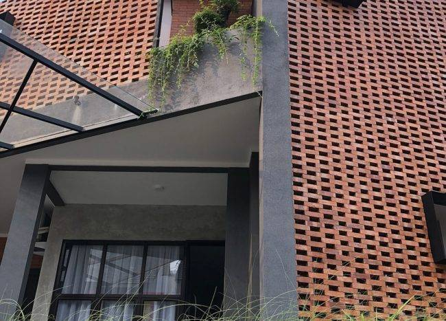 Give-the-home-a-whole-new-look-with-an-innovative-brick-facade-98077-217x155