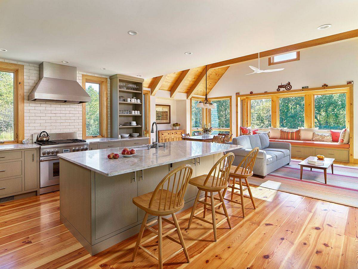 Gorgeous-and-spacious-new-modern-kitchen-of-the-house-with-a-cozy-family-ara-next-to-it-80226