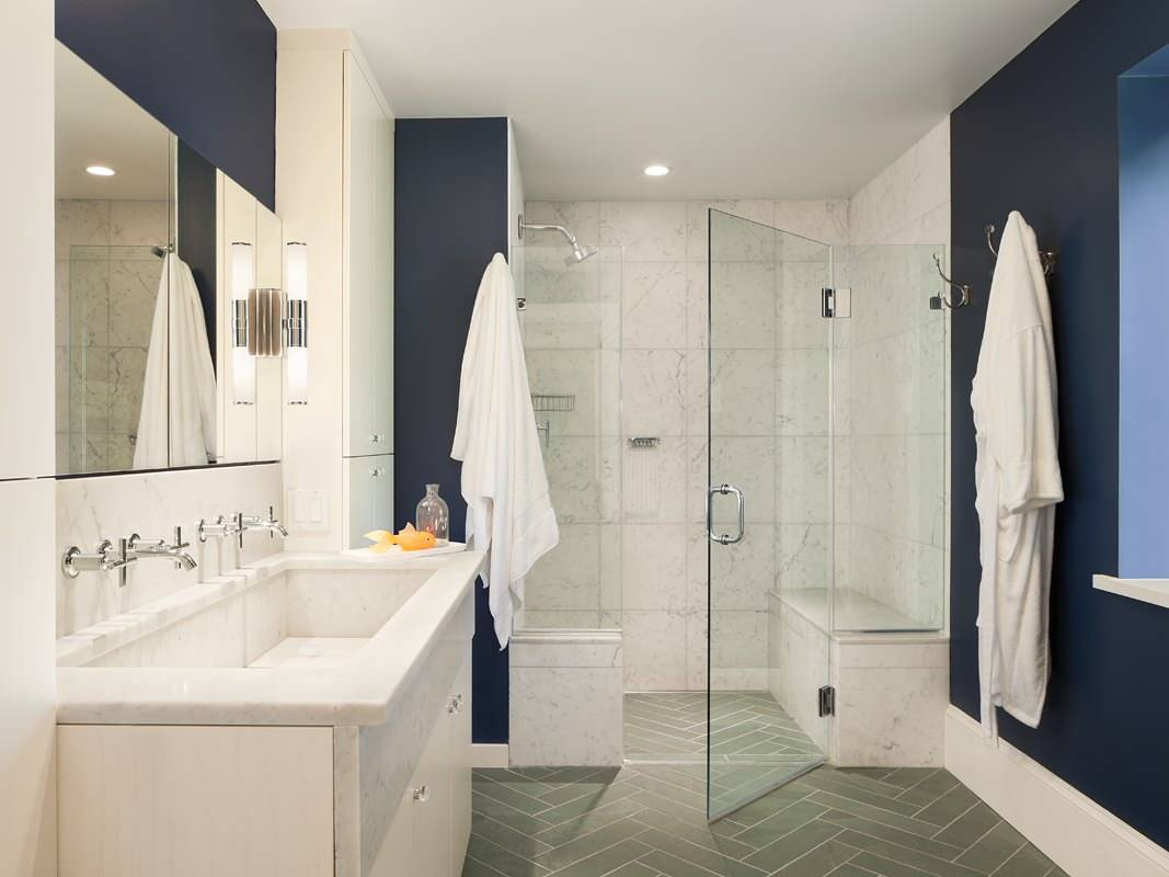 Gray-bathroom-floor-tile-in-herringbone-layout-add-pattern-and-color-to-the-stylish-small-bathroom-15190