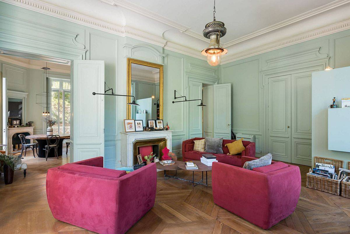 Light-pastel-greens-coupled-with-hot-pinks-in-the-goregous-contemporary-living-room-of-French-home-32403