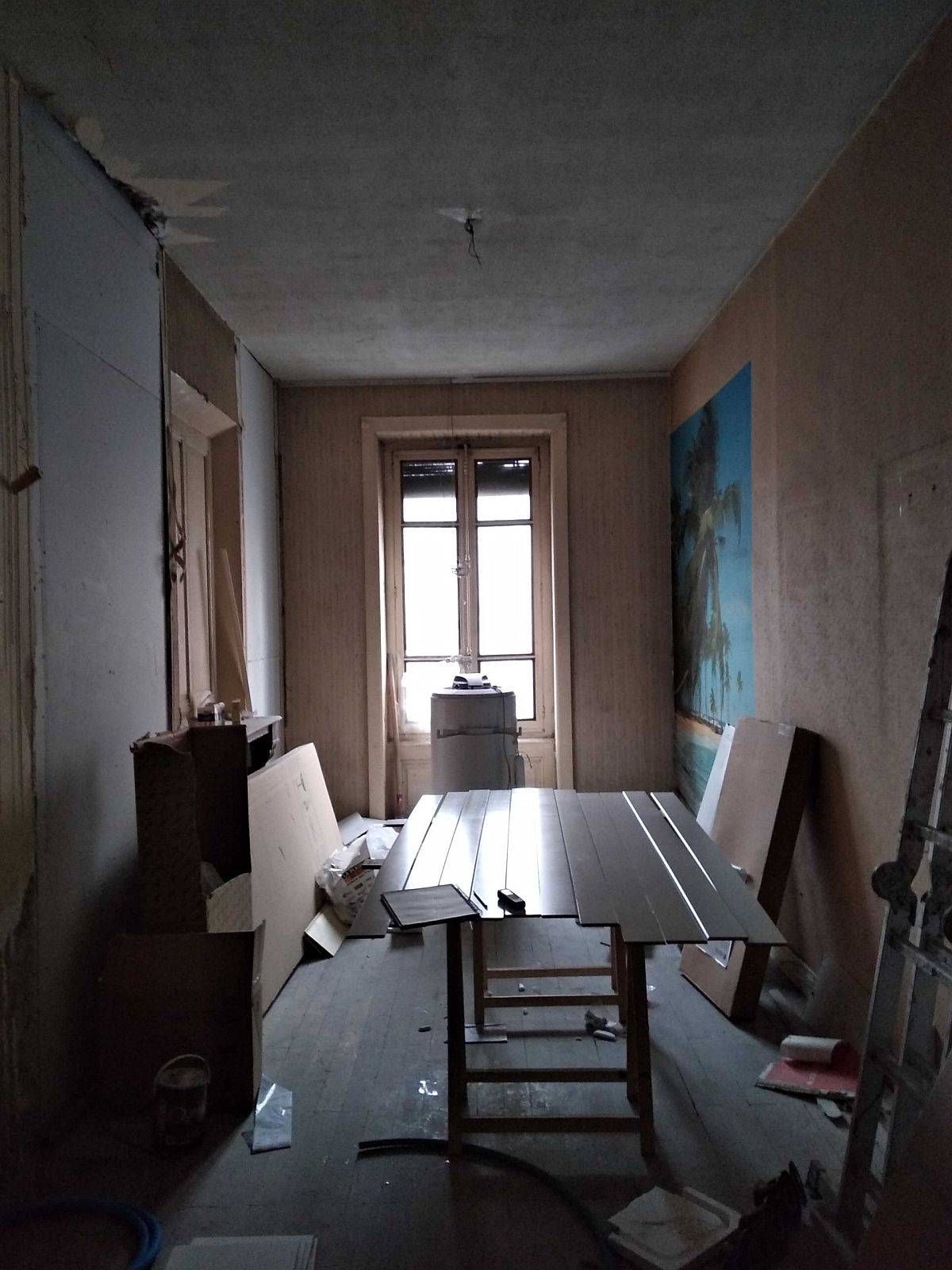 Look-at-the-small-apartment-before-the-completion-of-the-mdoern-space-savvy-renovation-97258