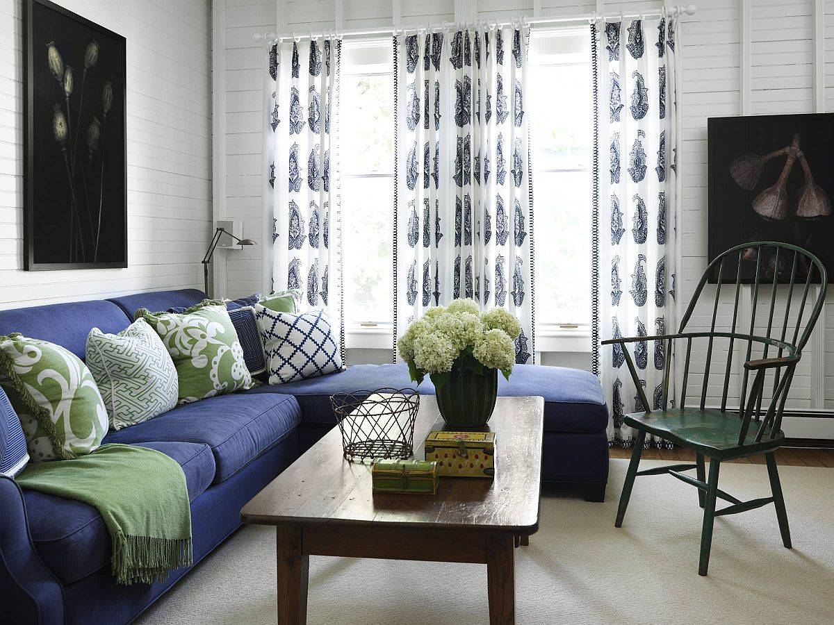 Modern-beach-style-living-room-in-white-bluee-and-green-59338